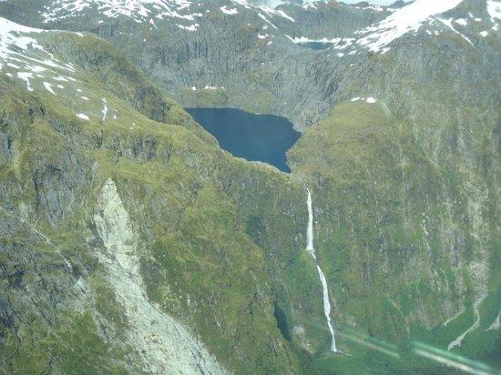 Fly Fiordland: Sunderland Falls
