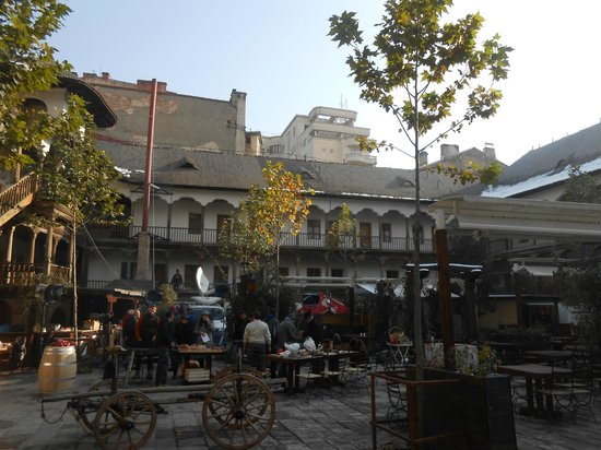 Walkabout Free Tours : old town