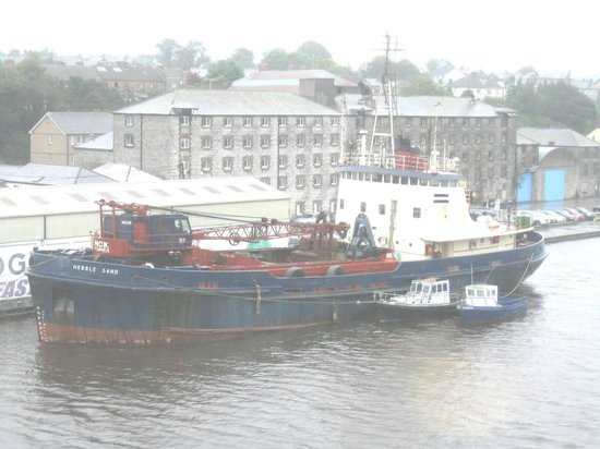 The d Hotel Drogheda: Boat on Industrial river