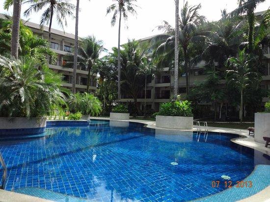 Novotel Phuket Surin Beach Resort.: Удивительной чистоты вода, наш бассейн
