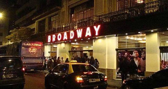 Resultado de imagem para broadway teatros