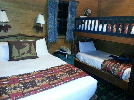 The Campsites at Disney's Fort Wilderness Resort : bedroom beds