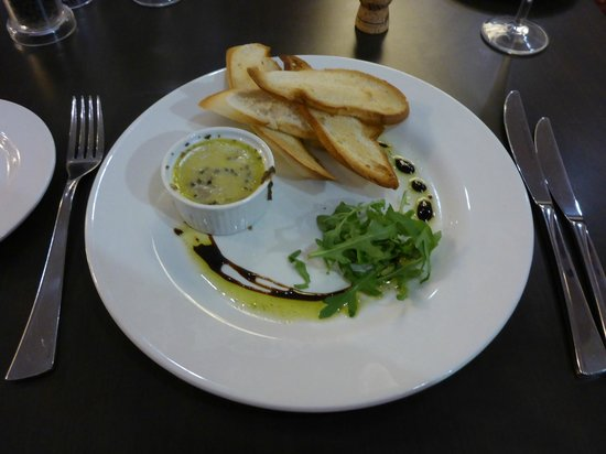 Holiday Inn London Gatwick Worth: Lovely Pate in the Restaurant