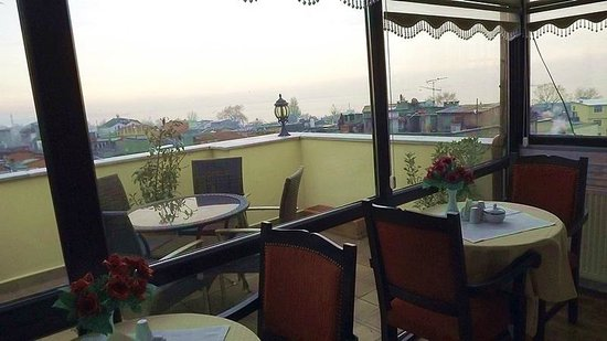BEST WESTERN Amber Hotel: Terrace with the view on the Marmara Sea