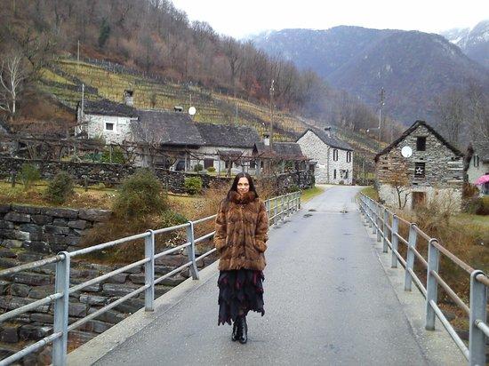 Residenza Onirica: Fiume Maggia