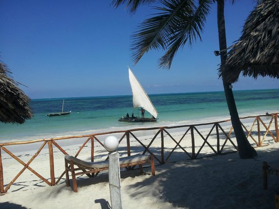 Sea View Lodge Boutique Hotel: Dhow am Strand