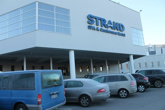 Strand Spa & Conference Hotel: The hotel from outside