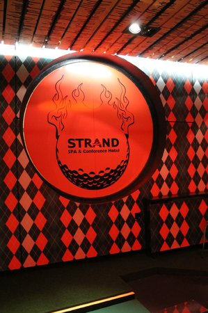 Strand Spa & Conference Hotel: Mini golf area