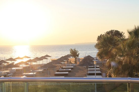 Apollonium Spa & Beach Resort: vår utsikt