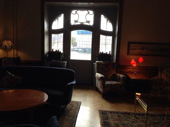 Hotel Esplanade: Вид из каминной гостиной