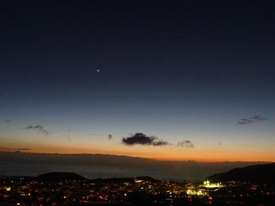 Casitas Rosheli: Blick über die Stadt von der Terrasse