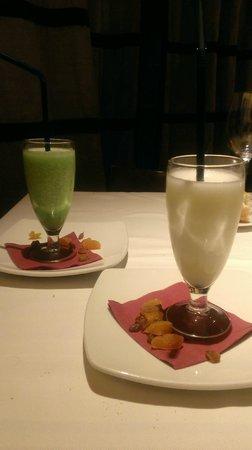 Los Galayos : Sorbetes de limón al cava y de manzana verde a la sidra, deliciosos.