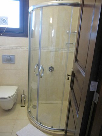 Osmanhan Hotel : Shower