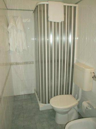 Oliver Hotel: doccia