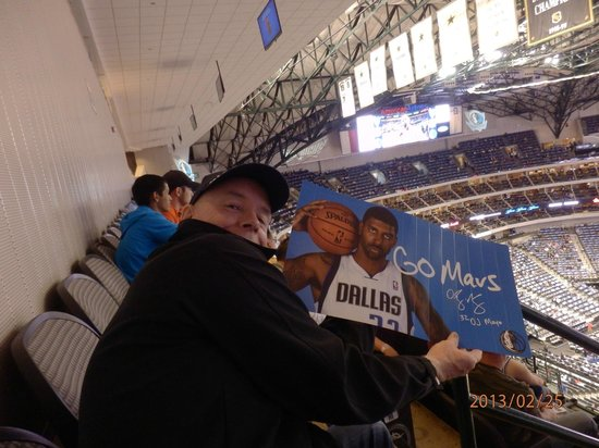 American Airlines Center: Me enjoying the game