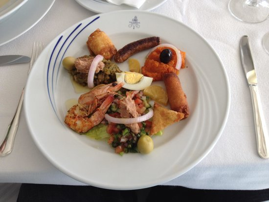 Restaurant Dar Zarrouk : Assortment of Mezze Christmas in 2013