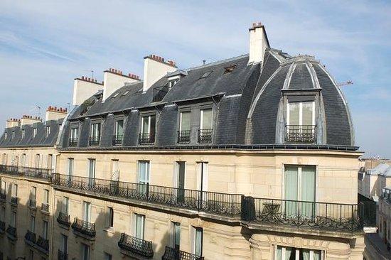 Hotel Vaneau Saint Germain: Vue cote rue Vaneau