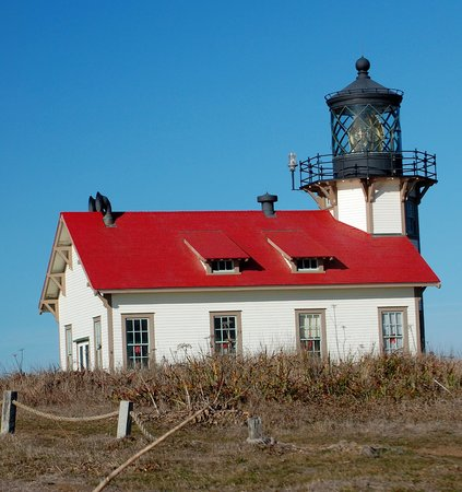 Point Cabrillo Light Station State Historic Park : Red roof delight