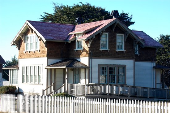 Point Cabrillo Light Station State Historic Park : lighthouse keepers' home