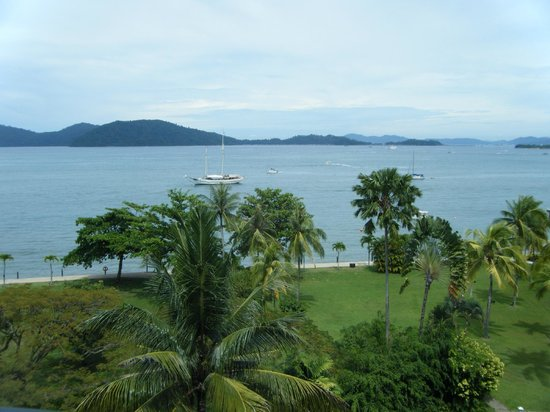 Shangri-La's Tanjung Aru Resort & Spa: view from the club lounge