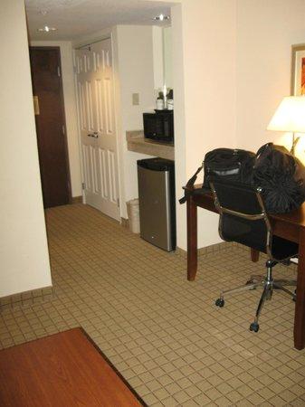 Wingate by Wyndham Savannah Airport : room