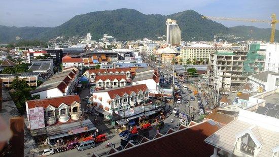 Amata Patong: Blick über Patong