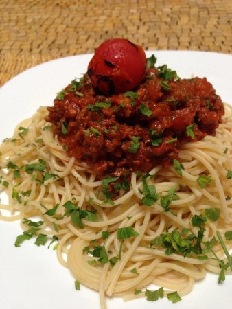 Dar Rbab: Spaghetti Bolognese-a welcome rest from the seeming endless stream of tajines we've eaten. I und