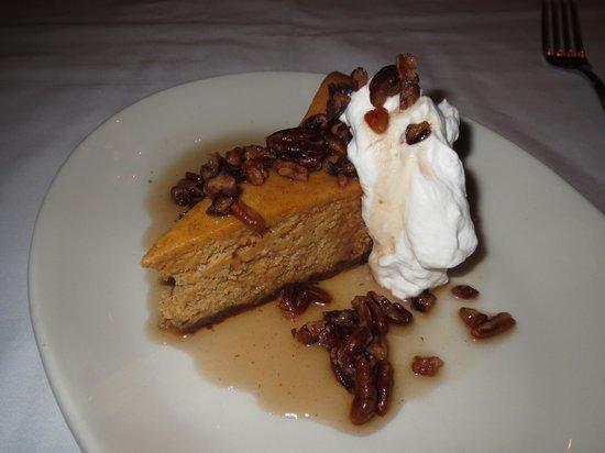 Nana's Restaurant: Pumpkin spice cheesecake