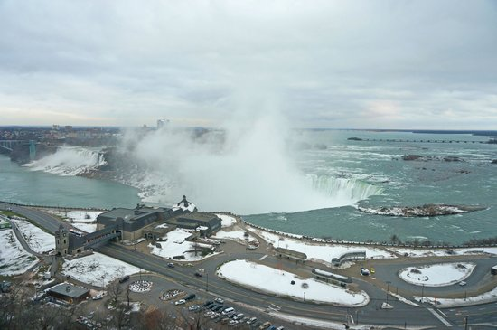 Niagara Falls Marriott Fallsview Hotel & Spa : View of Niagara Falls from the room