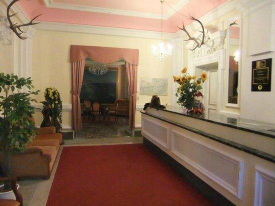 Hotel Schloss Grubhof: castle hotel reception