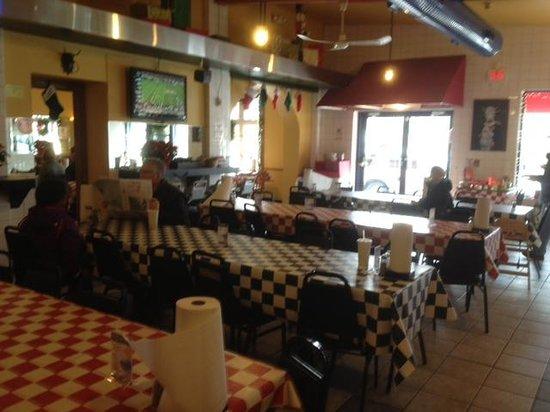 Johnny Angel's Heavenly Hamburgers: Dining room