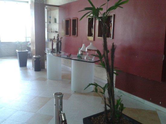 Marc Center Hotel : espaço entrada para recepção.