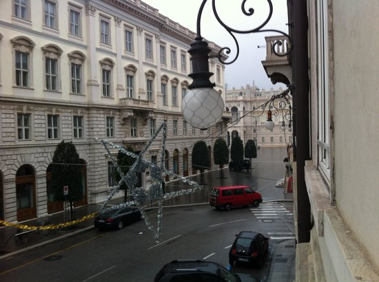 Hotel Duchi Vis a Vis: Dalla camera si vede anche Piazza dell'Unità d'Italia!