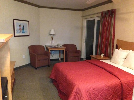Comfort Inn and Suites: View of room 316 side 1.