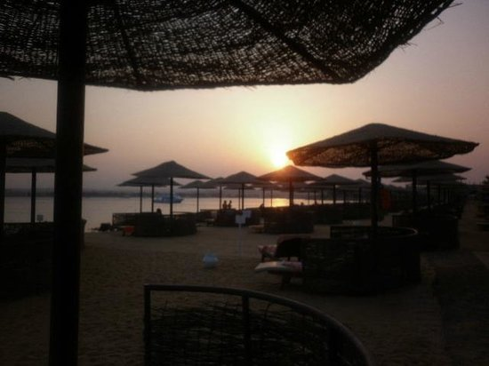 The Makadi Palace Hotel : Sunset on the beach