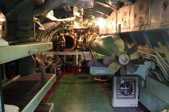 Intrepid Sea, Air & Space Museum : Sala dos torpedos