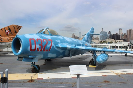 Intrepid Sea, Air & Space Museum : Mikoyan Gurevich MIG-17