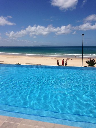 Tingirana Noosa: View from the pool