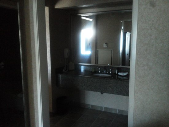 Embassy Suites by Hilton Temecula Valley Wine Country : Habitacion