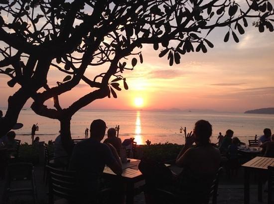 Centara Grand Beach Resort & Villas Krabi: sunset from hotel bar....On the Rocks