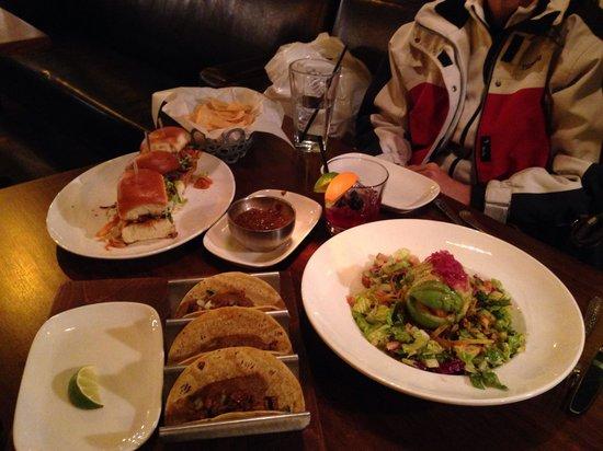 Venga Venga Cantina and Tequila Bar: Apres ski :) tacos, sliders, shrimp and avocado salad and sangria.