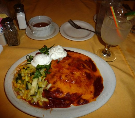 Rancho de Chimayo Restaurante: A delicious carne adovada red chile enchilada