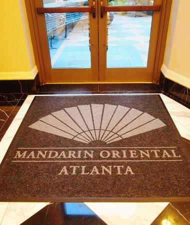 Mandarin Oriental, Atlanta: garden entrance