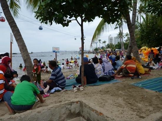Ancol Dreamland: festival beach