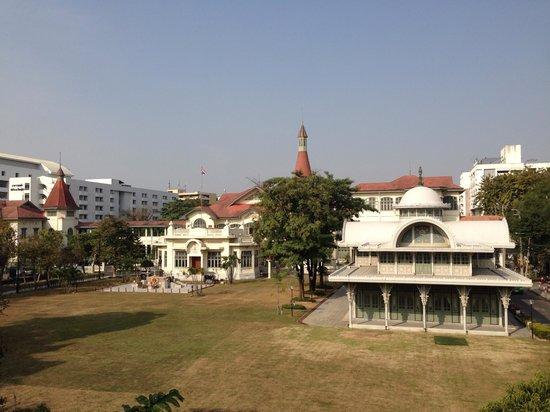 Queen Savang Vadhana Museum