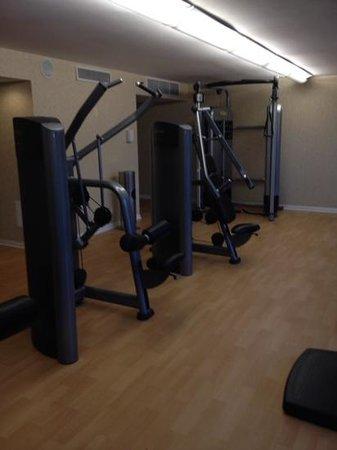 The Duke Hotel Newport Beach : more weight machines