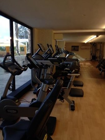Fairmont Newport Beach : better shot of the cardio equip