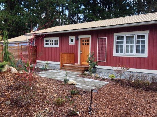 Plum Lodge: The Cottage