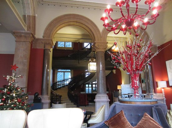 St. Pancras Renaissance Hotel London: Chambers Club Stairway
