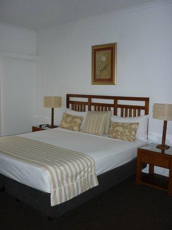 Ramada Resort Port Douglas: bed